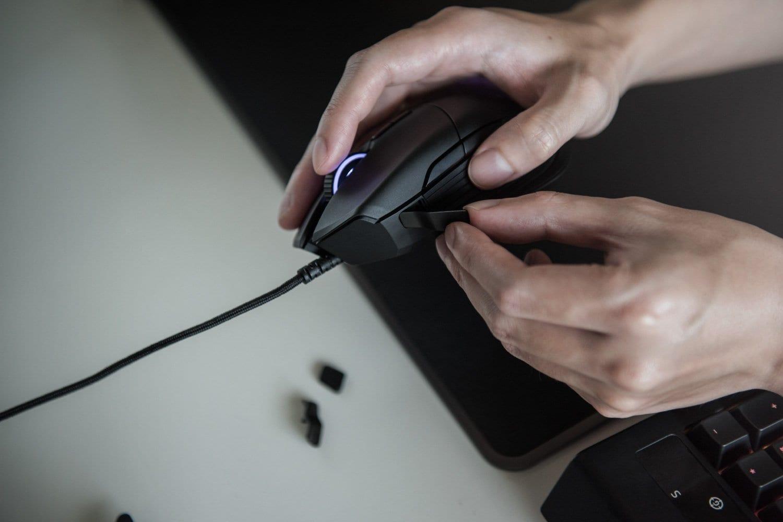 Razer-Basilisk-Gaming-Mouse-for-FPS